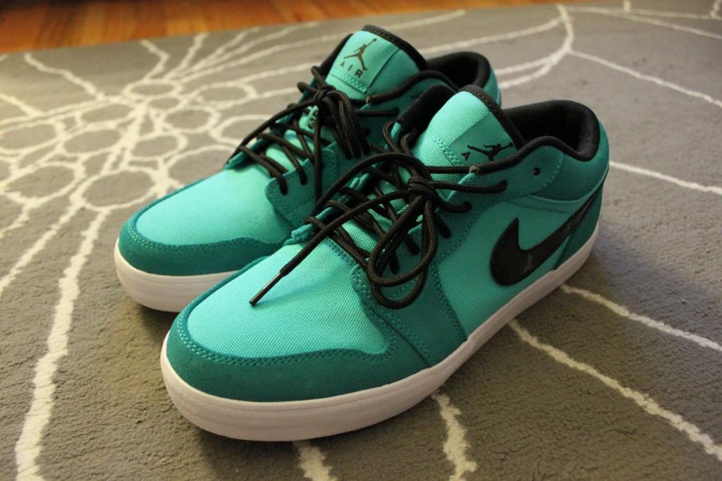 Nike.Jordan.V2