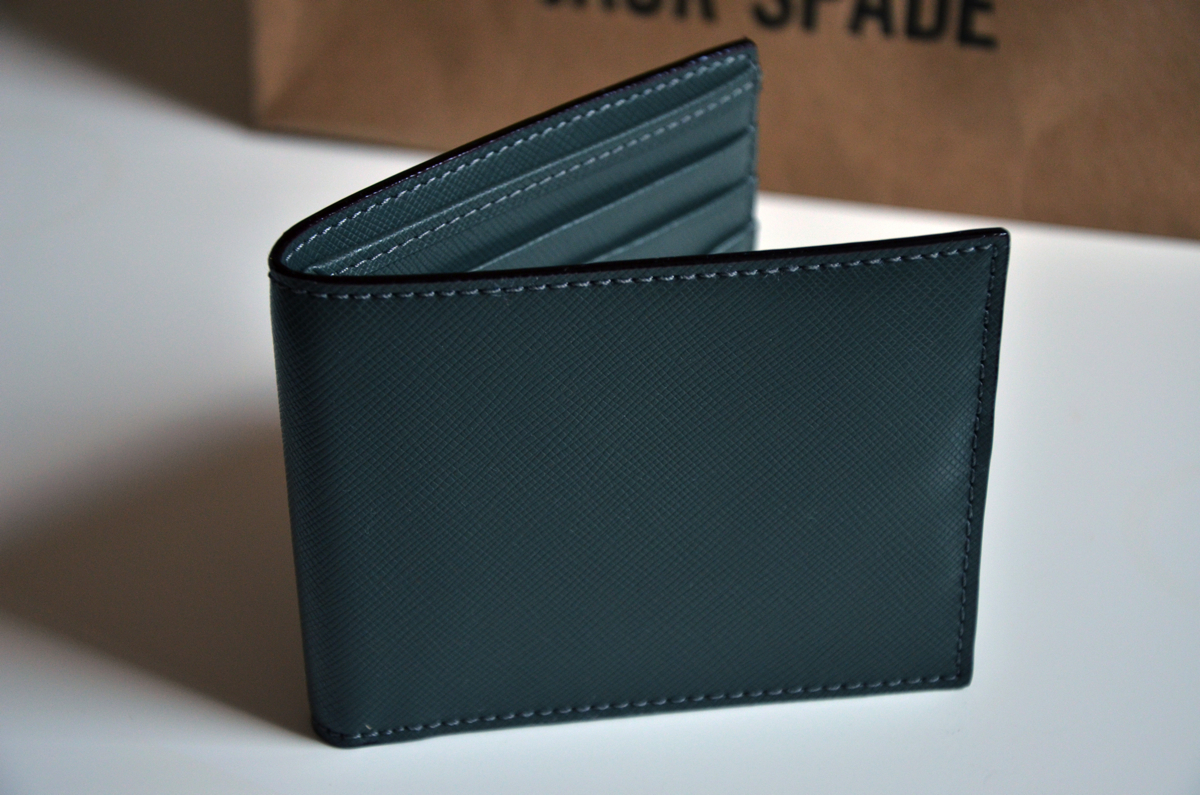 jack-spade-wesson-leather-bill-holder-review-3