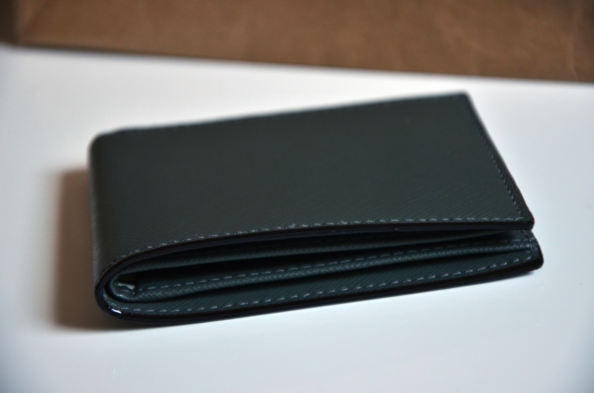 jack-spade-wesson-leather-bill-holder-review-9