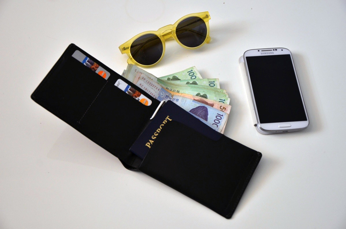 bellroy-passport-wallet-1