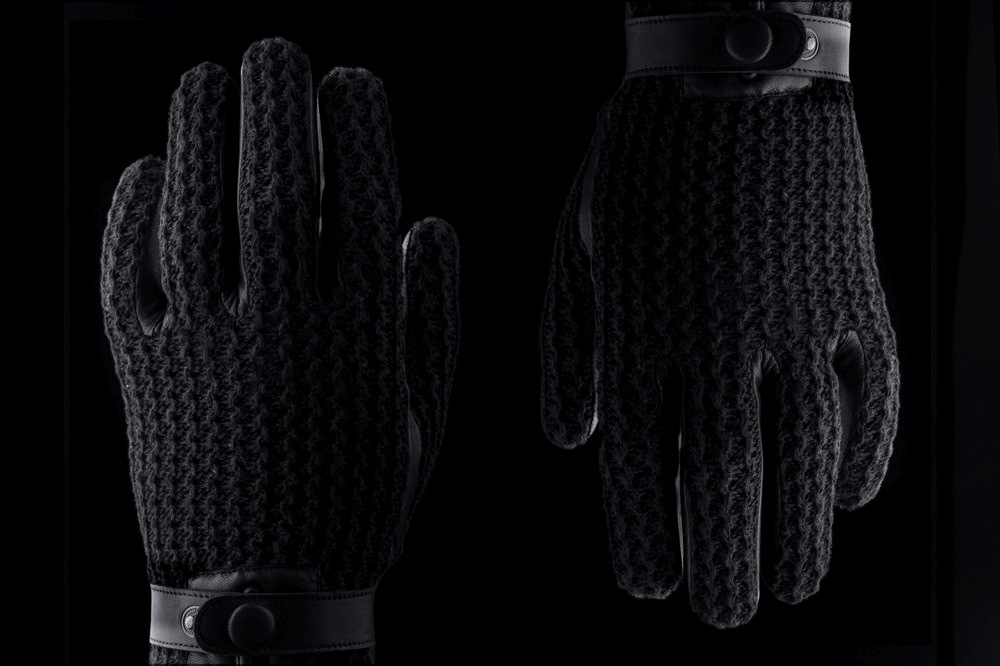 mujjo-leather-crochet-touchscreen-gloves-5