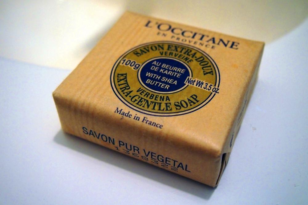loccitane-shea-butter-verbena-extra-gentle-soap-3