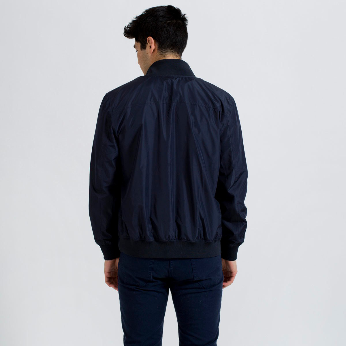 everlane-lightweight-bomber-jacket-2