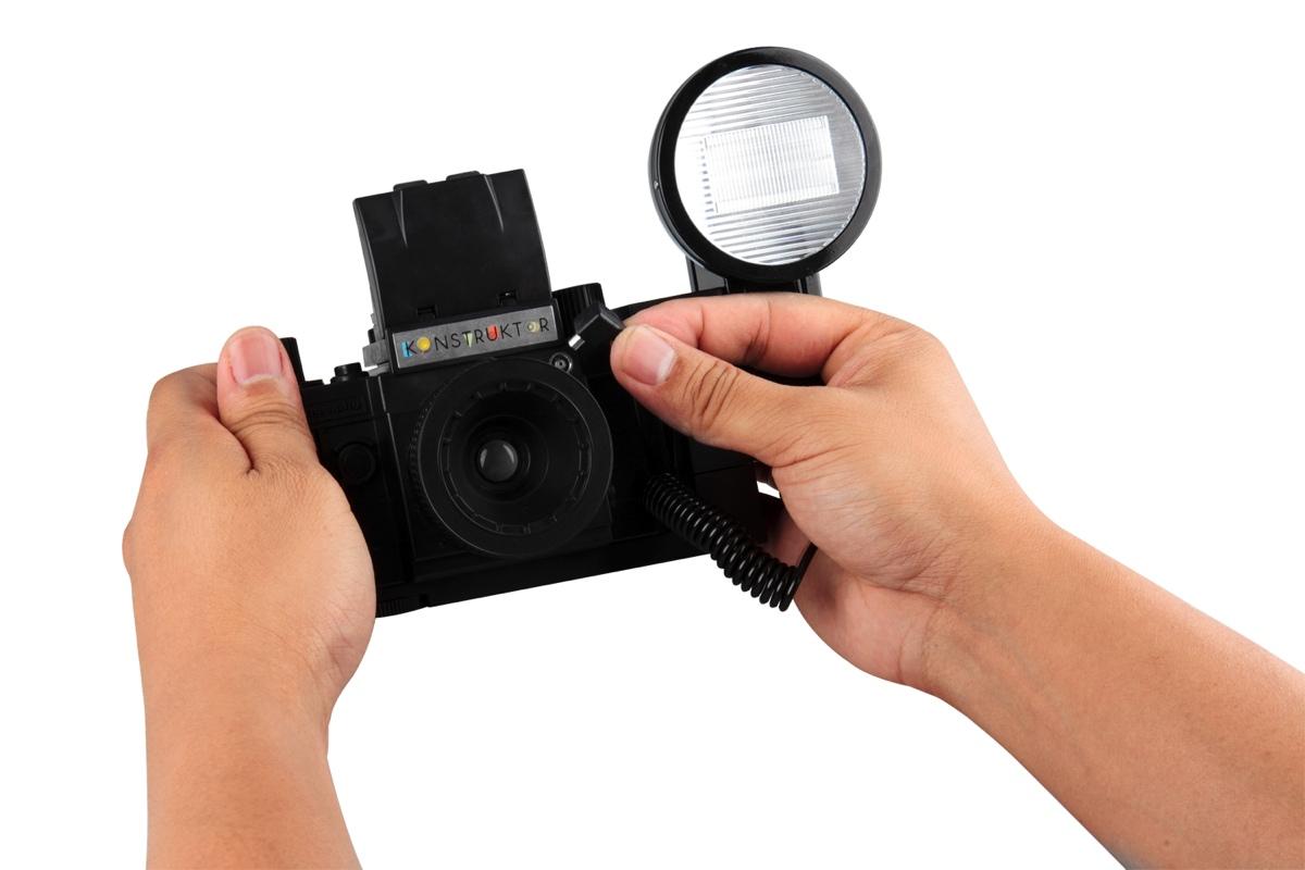 lomography-konstruktor-f-camera-with-flash-accessory-kit-6