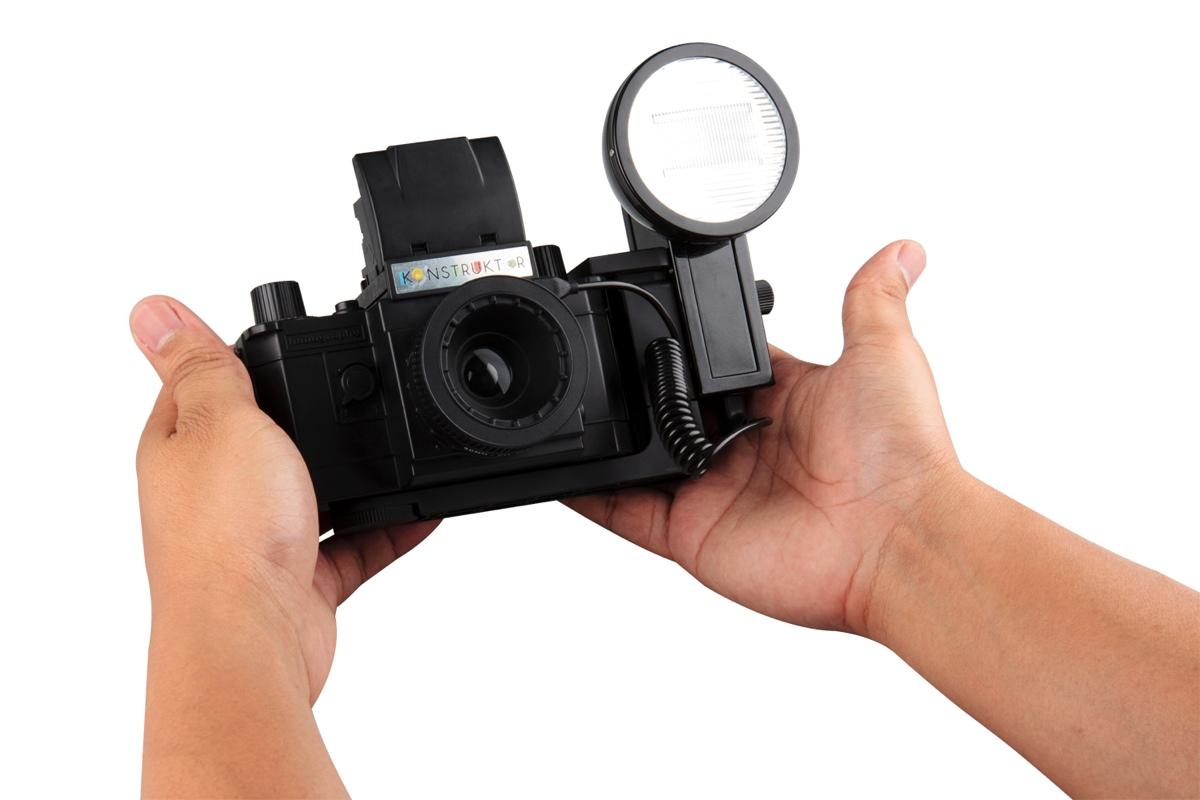 lomography-konstruktor-f-camera-with-flash-accessory-kit-7