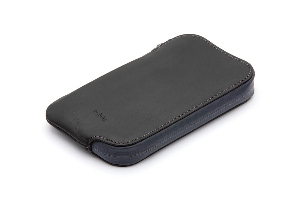 bellroy-elements-phone-pocket-1