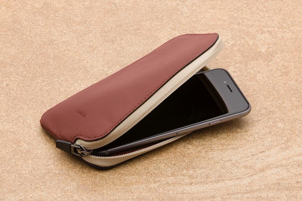 bellroy-elements-phone-pocket-5