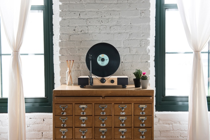 Floating-Record-Vertical-Turntable-kickstarter-4