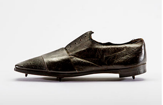 brooklyn-museum-exhibit-sneaker-culture-thomas-dutton-thorowgood-running-shoe