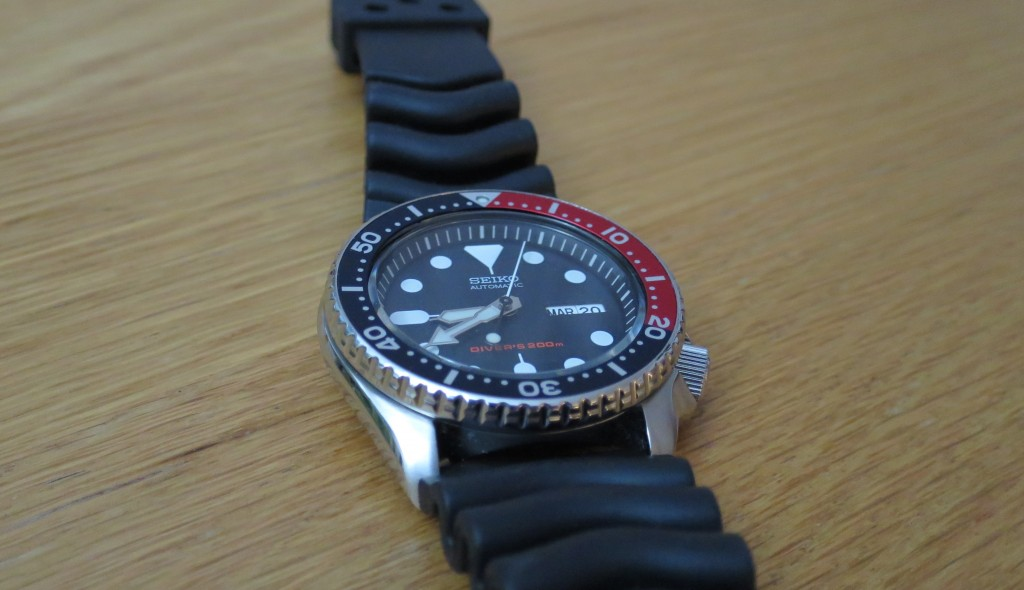 Seiko-pepsi-diver-SKX009-watch-side-viewJPG