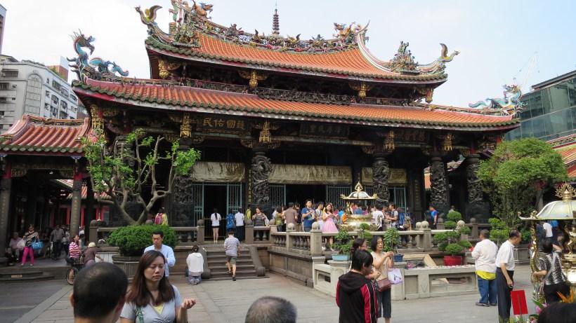 longshan-temple-taipei-1